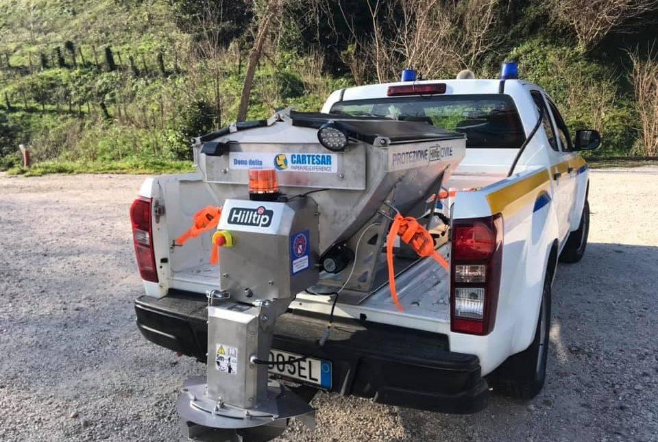 Cartesar dona un mezzo spargisale alla Protezione Civile locale
